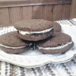 Gloria and Daniel embrace parenthood and serve up molasses cookies